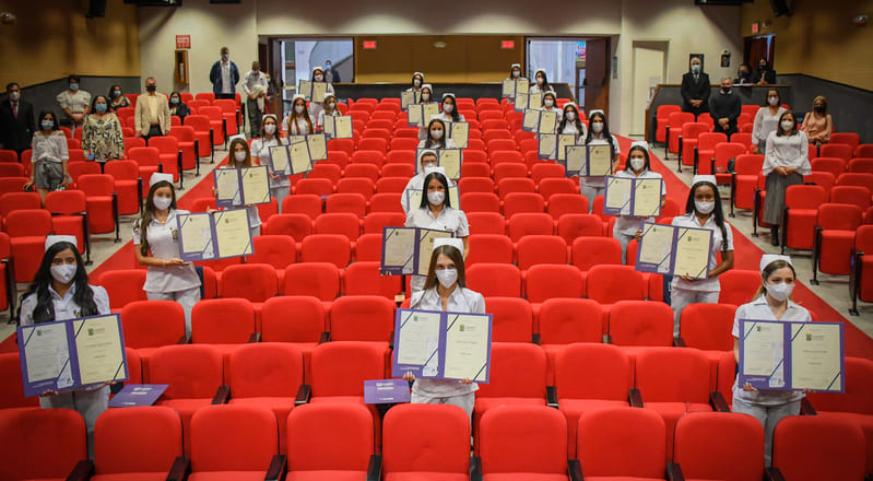 UCM graduó a 22 estudiantes de Enfermería