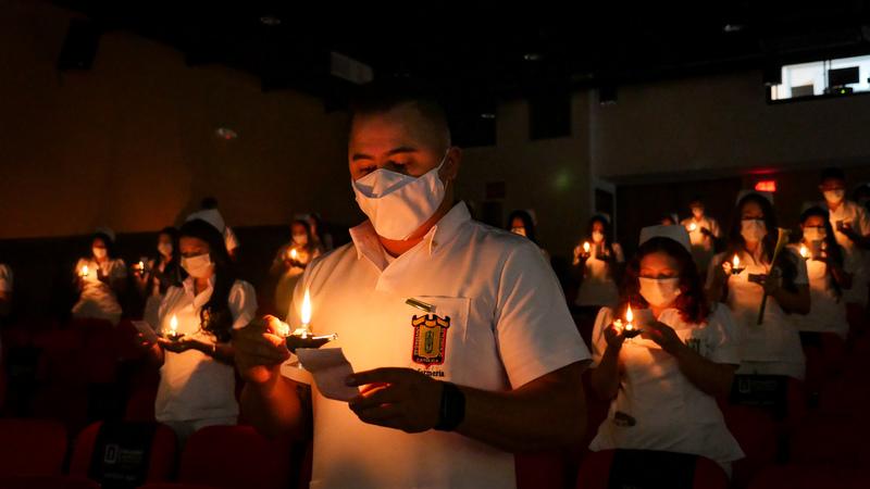 36 estudiantes de Enfermería hicieron juramento en Imposición de Insignias